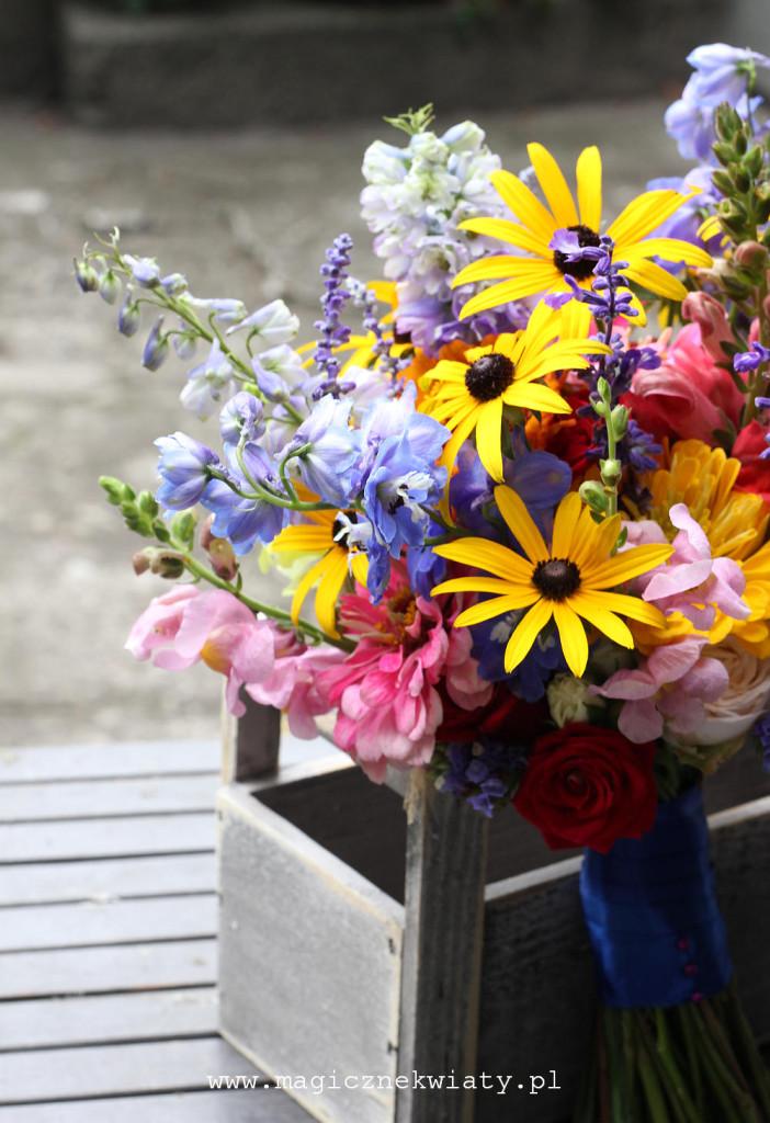 kolorowy, letni bukiet ślubny, polne kwiaty, ogrodowe kwiaty, folkowy bukiet ślubny, wiazanka ślubna Kraków5