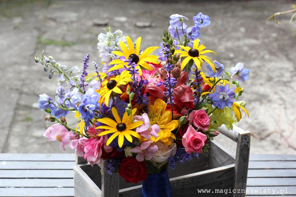 kolorowy, letni bukiet ślubny, polne kwiaty, ogrodowe kwiaty, folkowy bukiet ślubny, wiazanka ślubna Kraków6