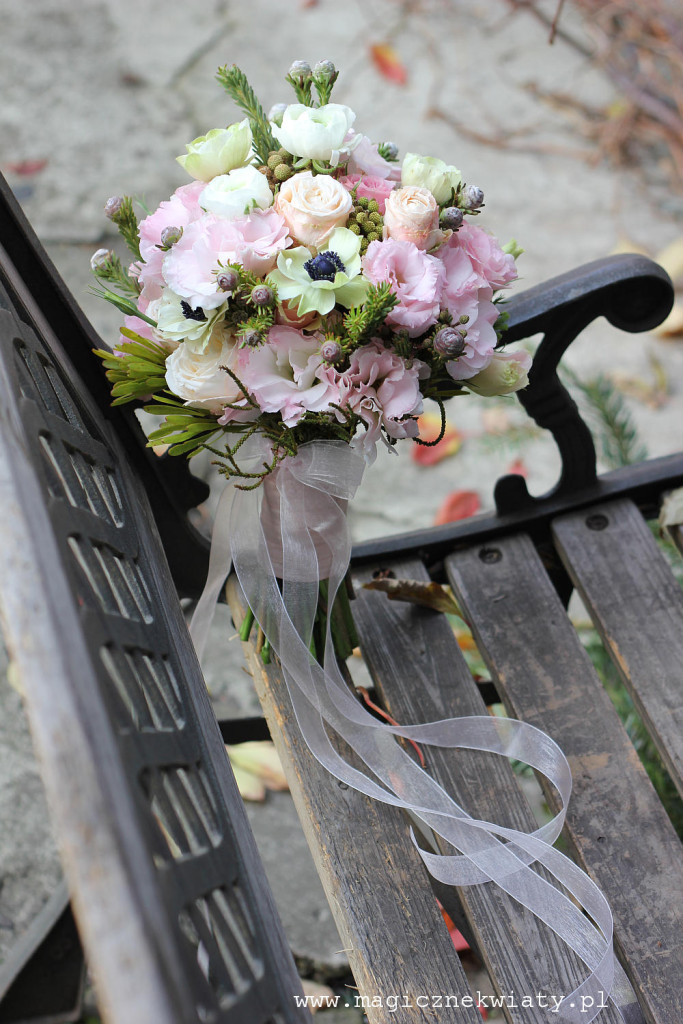 pudrowy, różowy, bezowy bukiet slubny, wiazanka ślubna, Kraków