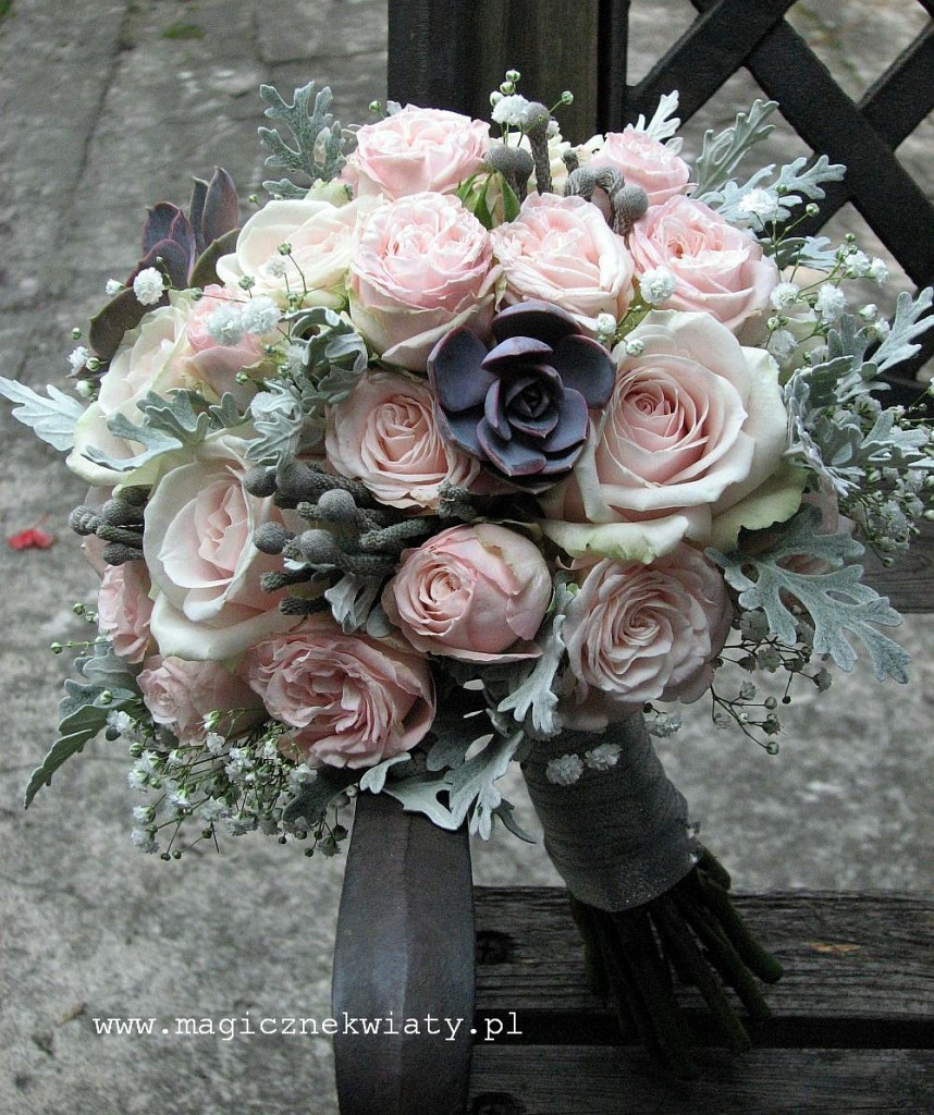 pudrowo różowy bukiet z sukulentem, kraków, bukiet slubny, Magiczne Kwiaty