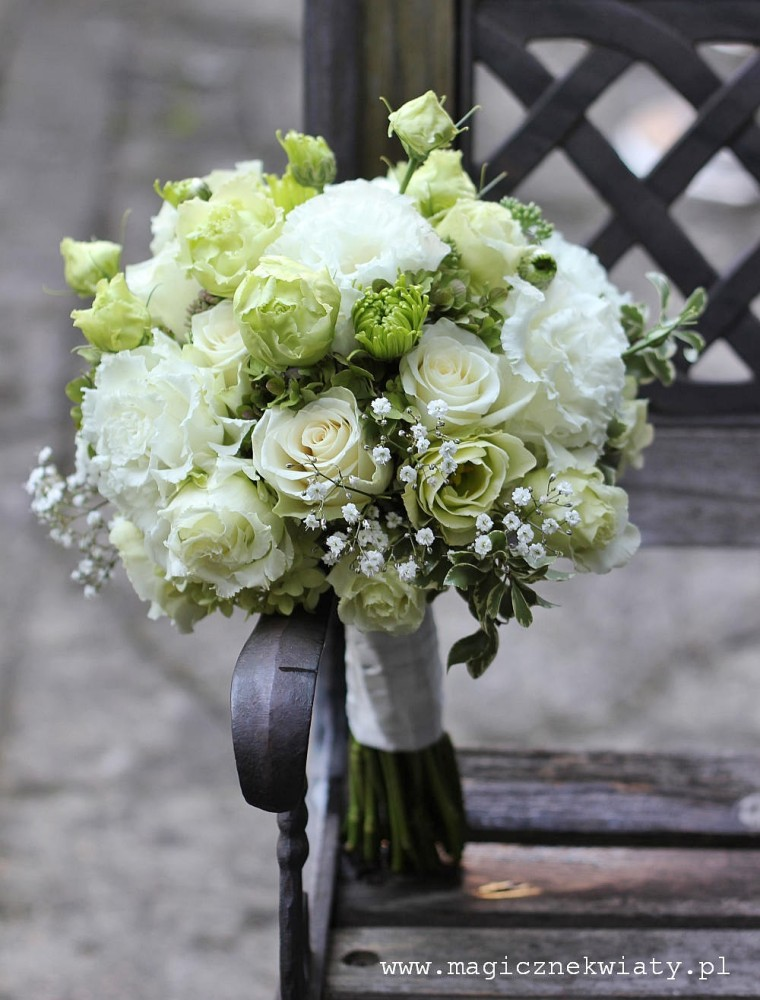 biały, zielony bukiet ślubny, klasyczny, roze, eustomy, gipsowka, krakow