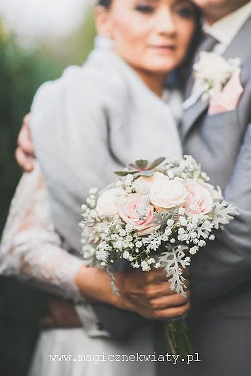 pudrowy, pudroworózowy bukiet slubny, róże i gipsówka, kraków, Magiczne Kwiaty