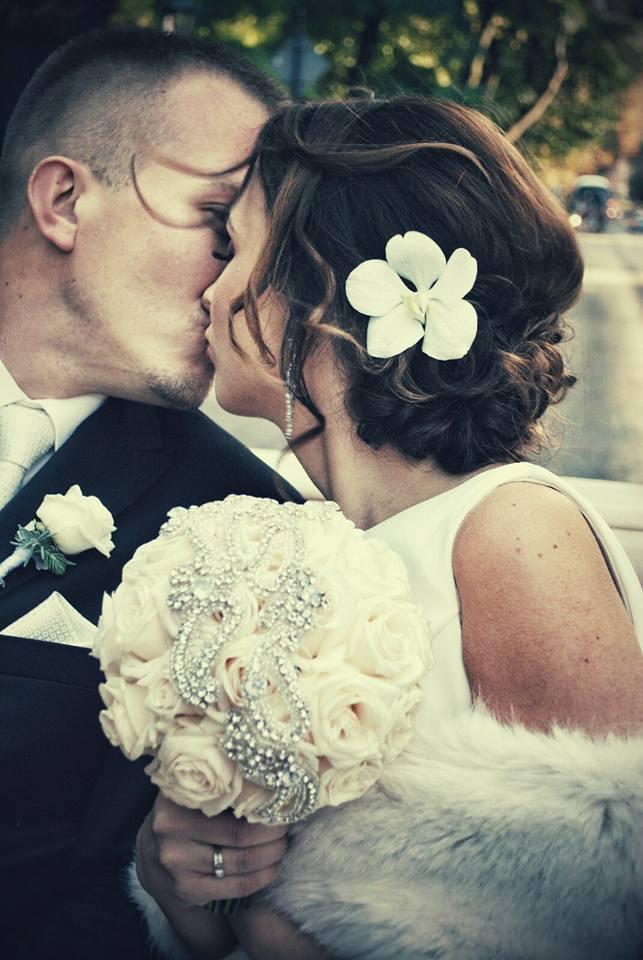 bukiet ślubny kremowy, pastelowy, bizuteria, bizuteryjny, kraków, luksusowy, elegancki, klasyczny