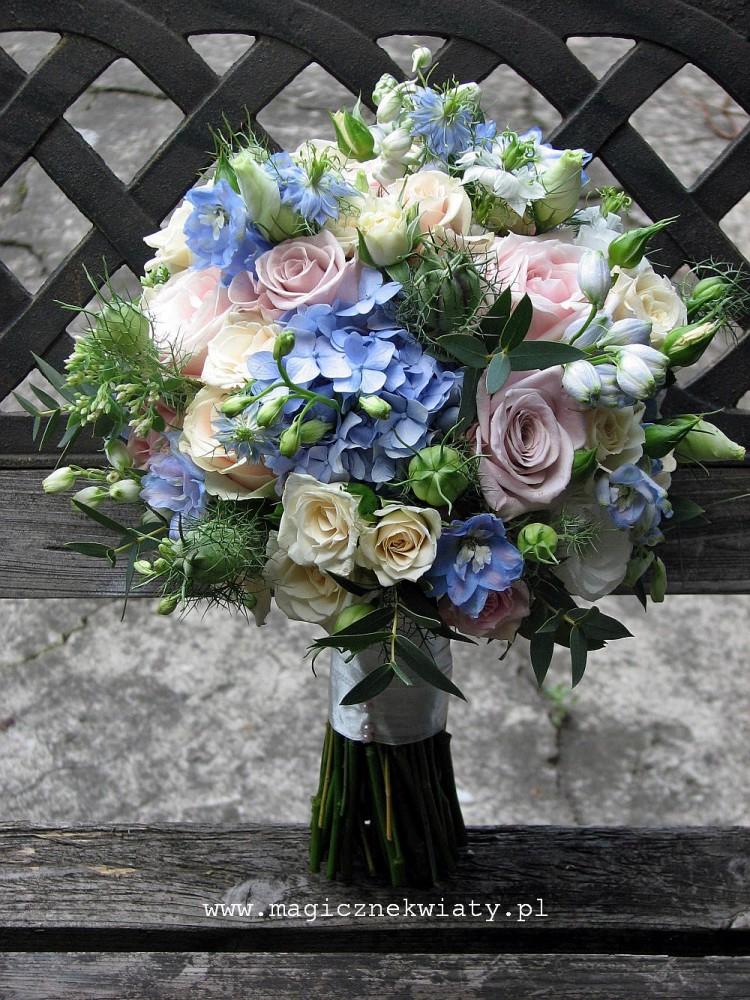 bukiet slubny vintage, niebieski, polno-ogrodowy, romantyczny, kraków